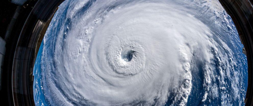 A forma como consumimos mídia mudou e os furacões nos mostram isso.